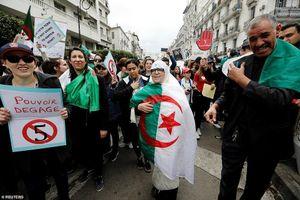 Tương lai nào cho cường quốc dầu khí châu Phi Algeria?