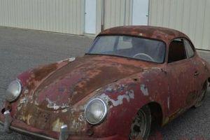 Chiếc ô tô 'nát tươm' này đang được rao bán gần 2 tỷ đồng: Vì sao nên mua?