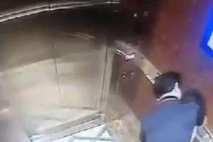 Nguyên Viện phó VKS Đà Nẵng khai về hành vi sàm sỡ bé gái trong thang máy
