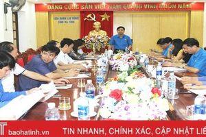 Tuyên truyền đậm nét hoạt động chào mừng 90 năm ngày thành lập Công đoàn Việt Nam