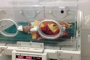 Bác sĩ 'rạch' đêm cấp cứu mẹ con sản phụ sinh non giữa rừng