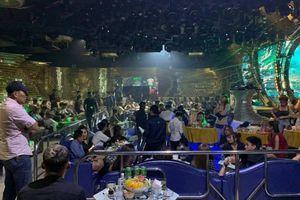 Cảnh sát ập vào quán bar ở TP.HCM, phát hiện gần 150 người đang phê ma túy