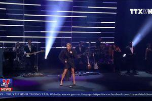 Celine Dion tuyên bố tour vòng quanh thế giới