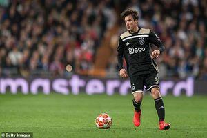 Sao Ajax phản lưới ngớ ngẩn, LĐBĐ Hà Lan có xử như Ban kỷ luật VFF?