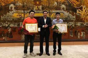 Hà Nội khen thưởng 3 người dũng cảm bắt cướp
