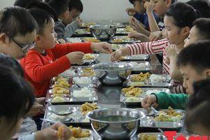 Cần đảm bảo tốt về vấn đề chăm sóc sức khỏe dinh dưỡng cho học sinh bên cạnh công tác dạy học