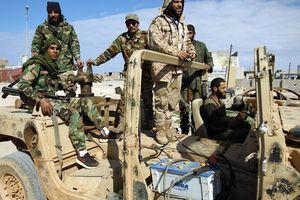 Chính phủ bắt 145 binh sĩ đối lập, Lybia bên bờ vực nội chiến