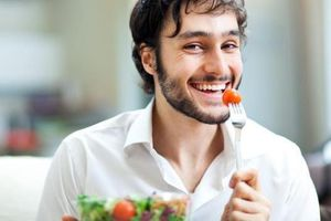 Nên nhai thức ăn bao nhiêu lần trước khi nuốt?