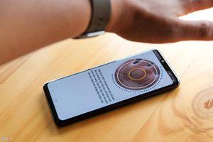 Điện thoại nào có thể mở khóa bằng lòng bàn tay?