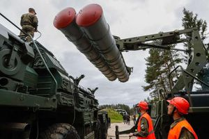 Tiết lộ quy mô sản xuất hệ thống tên lửa phòng không S-400 tại Nga