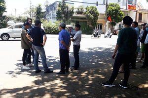 Hỗn chiến tại quán ăn vỉa hè ở Bảo Lộc, nam thanh niên bị đâm chết