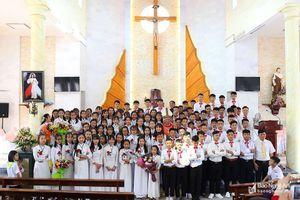 Giám mục Giáo phận Vinh cử hành thánh lễ tại giáo xứ Trang Cảnh