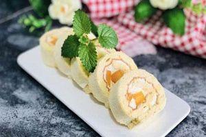 Cách làm bánh bông lan cuộn xoài chuẩn ngon thơm mềm hấp dẫn