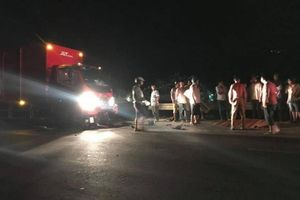 Xe máy đấu đầu xe tải trên đường tránh, nam thanh niên chết tại chỗ