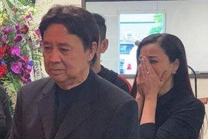 NSƯT Bảo Quốc, Ngọc Huyền đau xót bật khóc trước linh cữu Anh Vũ