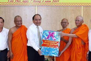 Thủ tướng Nguyễn Xuân Phúc chúc Tết đồng bào Khmer
