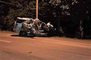 Ô tô 7 chỗ đâm xe tải chở rau, 3 người tử vong