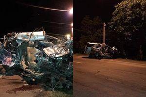 Xe ô tô 7 chỗ đối đầu xe tải, 3 người tử vong