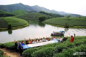 Đoàn Famtrip thành phố Hồ Chí Minh trải nghiệm đặc sản du lịch Nghệ An