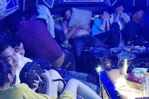Đột kích quán bar tại Cà Mau, phát hiện gần 100 nam nữ đang dùng ma túy