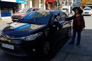 Người nước ngoài đi ôtô cướp tài sản giữa phố Đà Lạt