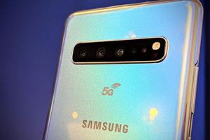 Cuộc đua điện thoại thông minh hỗ trợ 5G