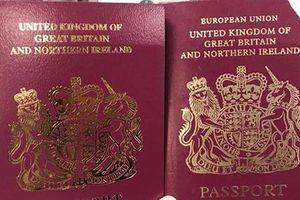 Anh xóa chữ 'Liên minh châu Âu' trên bìa hộ chiếu