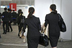 Nữ sinh viên Nhật bị quấy rối tình dục khi đi xin việc