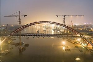 Hải Phòng: Lắp đặt bản mặt cầu 'Cánh chim biển' Hoàng Văn Thụ