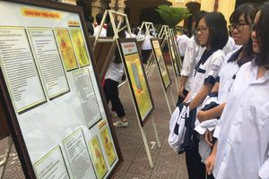 Học sinh Hải Phòng hào hứng với tư liệu Hoàng Sa, Trường Sa