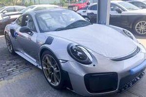 Siêu xe Porsche 20 tỷ đại gia cà phê Đặng Lê Nguyên Vũ vừa tậu có gì đặc biệt?