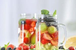 Uống nước detox giúp thải độc gan?
