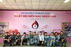 Tuổi trẻ Nhiệt điện Phú Mỹ: 'Sẻ giọt máu đào - trao niềm hy vọng'