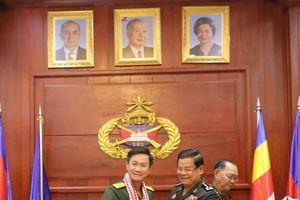 Quân đoàn 4 tổ chức chúc Tết Quân đội Hoàng gia Campuchia