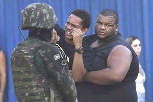 Binh lính Brazil bắn hơn 80 phát đạn vào ôtô chở gia đình đi dự tiệc