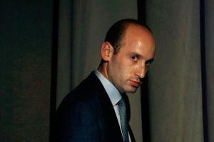Bộ trưởng ra đi, cố vấn diều hâu 'phủ bóng' chính sách nhập cư của Mỹ