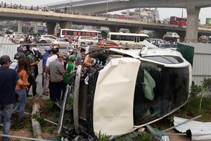 Vụ Mercedes GLA tông hàng loạt xe máy: Nạn nhân có nguy cơ tử vong