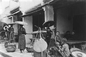 Hình cực độc về hàng quán vỉa hè Hà Nội năm 1896