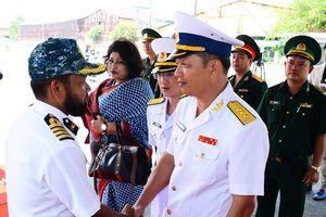 Tàu Hải quân Bangladesh thăm xã giao TP Hồ Chí Minh