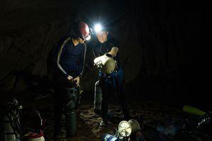 Hành trình tìm hang ngầm ở Sơn Đoòng của chuyên gia Anh