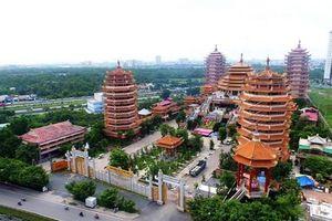 Bạn có biết ngôi chùa có nhiều tòa tháp nhất Tp. Hồ Chí Minh?