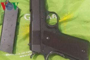 Phát hiện súng trong nhà đối tượng cho vay nặng lãi