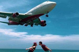 Chụp ảnh 'tự sướng' với máy bay đang hạ cánh có thể bị tử hình