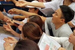 Ngột ngạt cảnh xin cấp visa đi Hàn Quốc