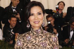 Phong cách quyến rũ của nữ tỷ phú gốc Hoa yêu đàn ông quyền lực