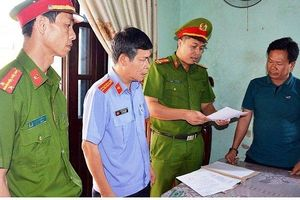 Bắt tạm giam ba cán bộ liên quan bồi thường đất