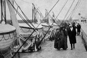 Ớn lạnh rợn người 9 bức ảnh cuối cùng chụp tàu Titanic