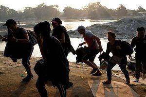 Cận cảnh đoàn di dân Cuba trên hành trình tới Mỹ
