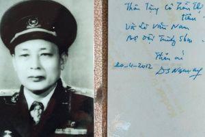 Tư lệnh Đồng Sỹ Nguyên trong lòng anh 'Lê Anh Nuôi'