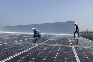 'Cú huých' cho điện mặt trời